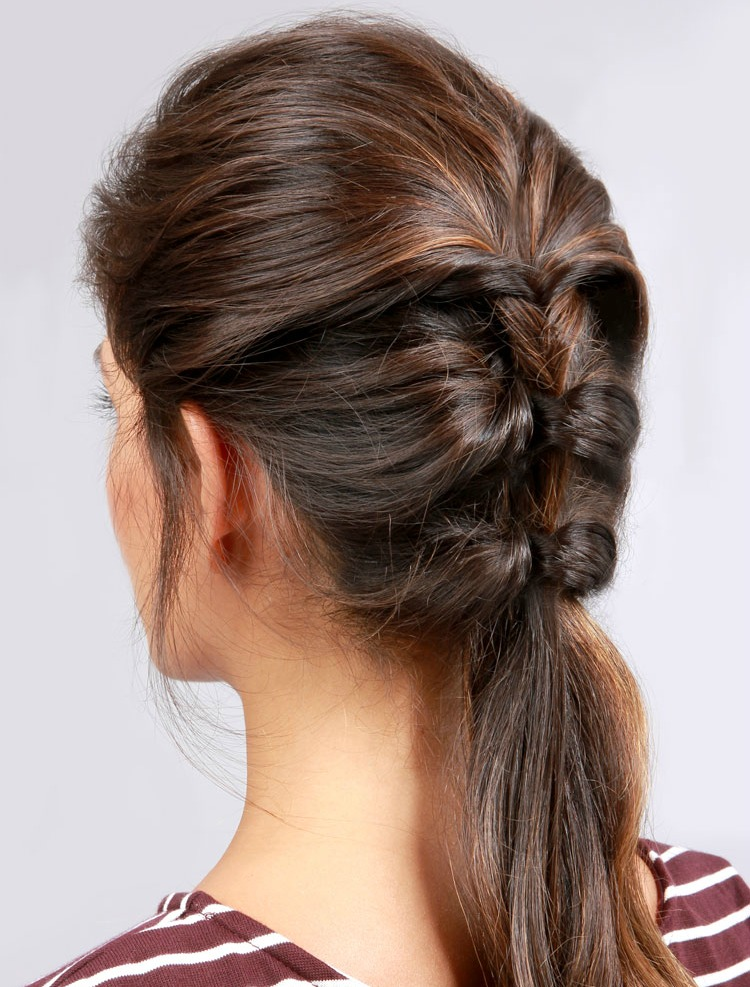 Lulus How-To: Topsy Ponytail Hair Tutorial