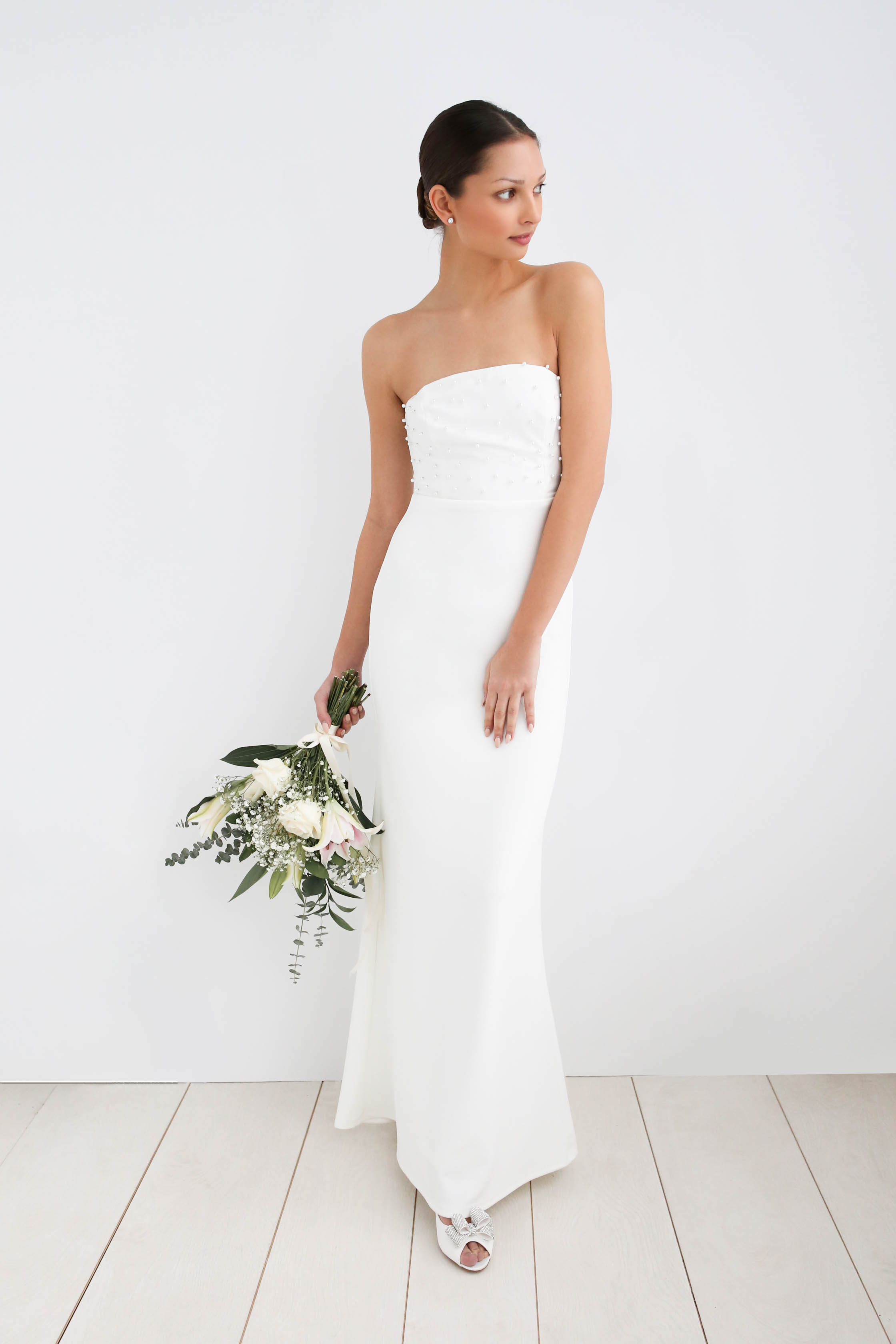 wedding looks for every budget - modern classic