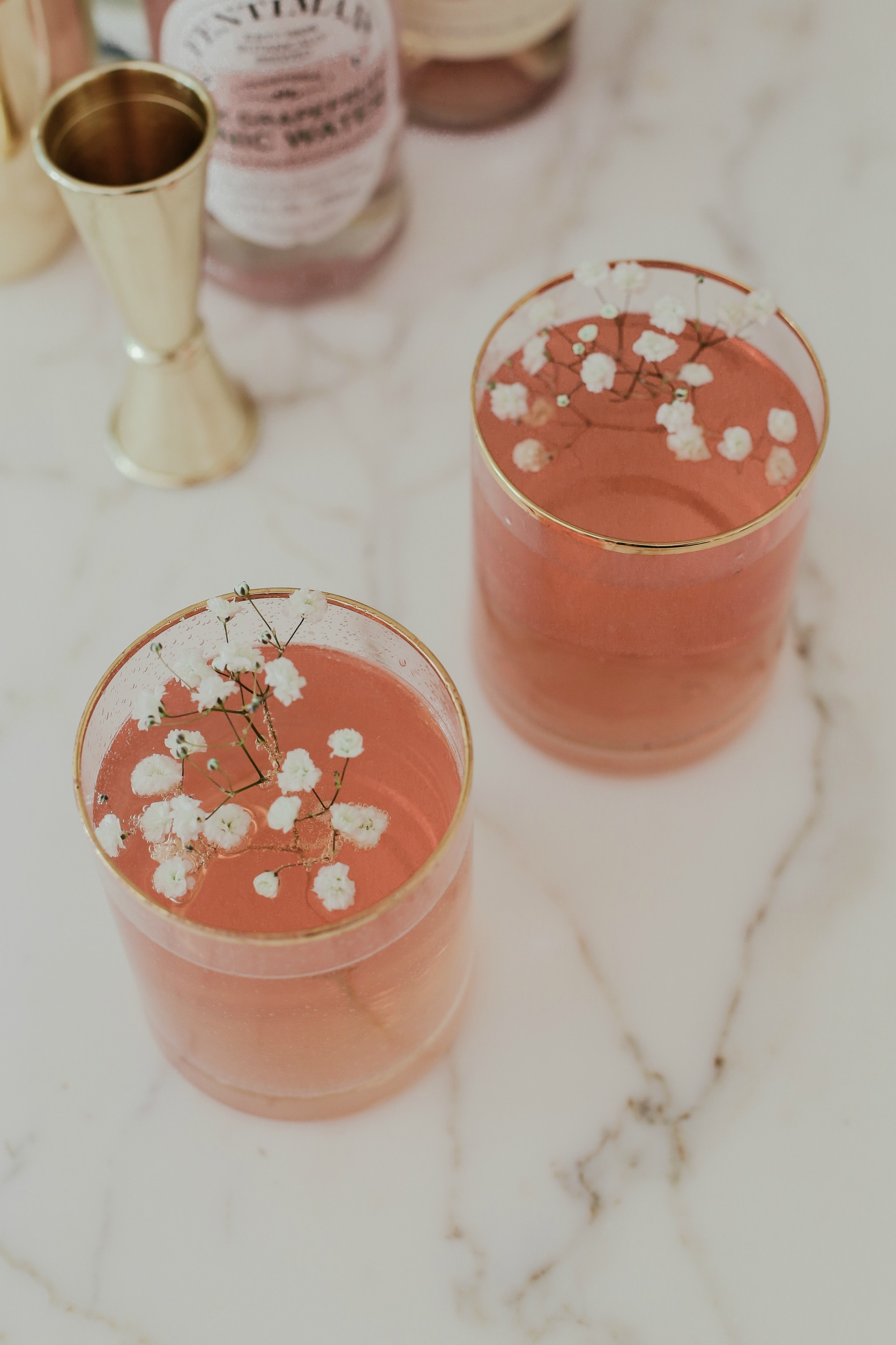 rose royale cocktail - get the recipe!