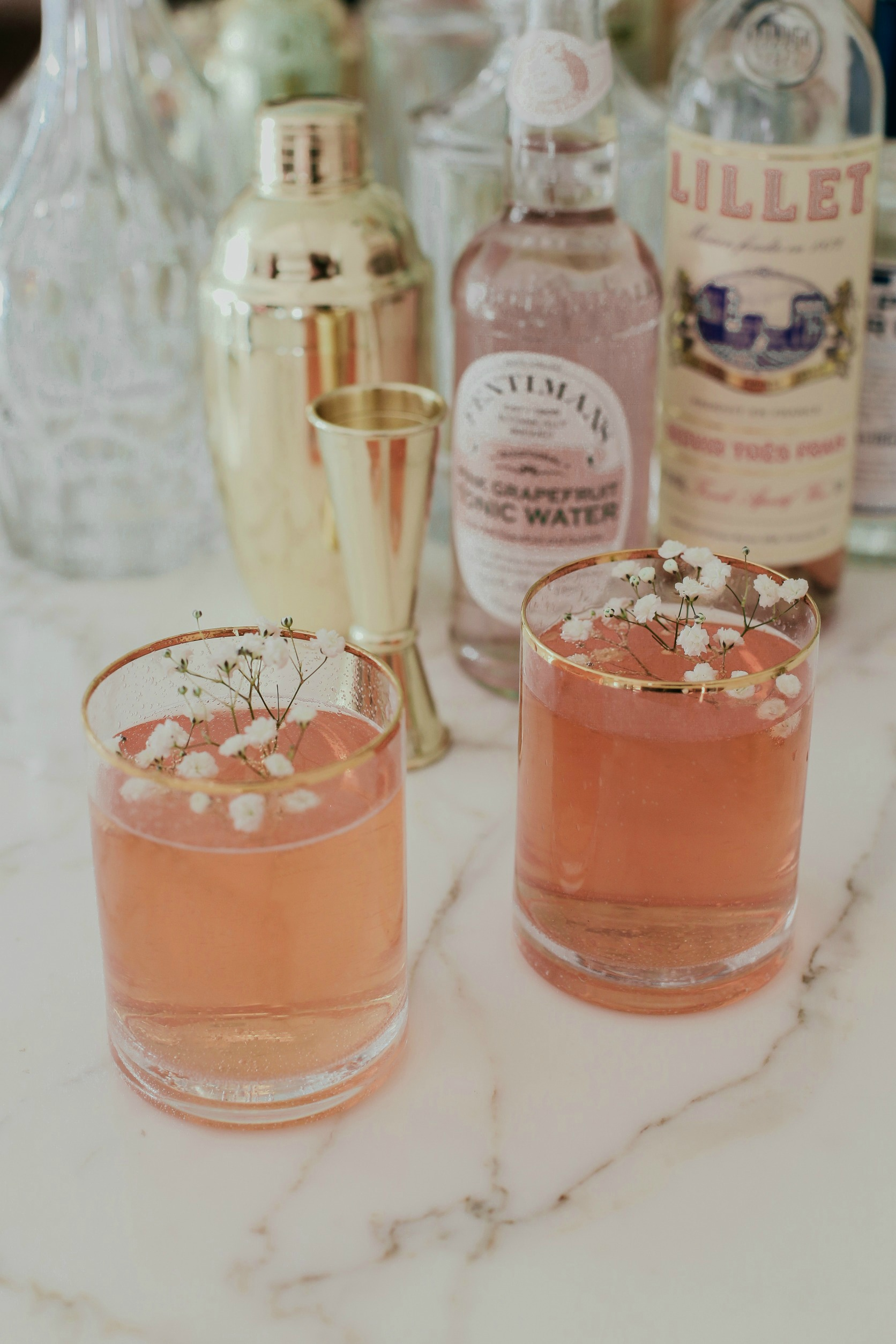 rose royale cocktail - share with friends!