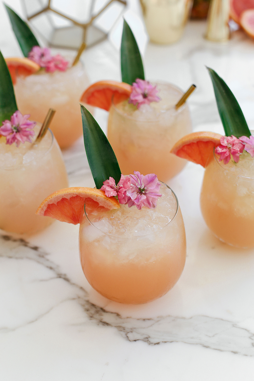 tropical crush cocktail - image 3