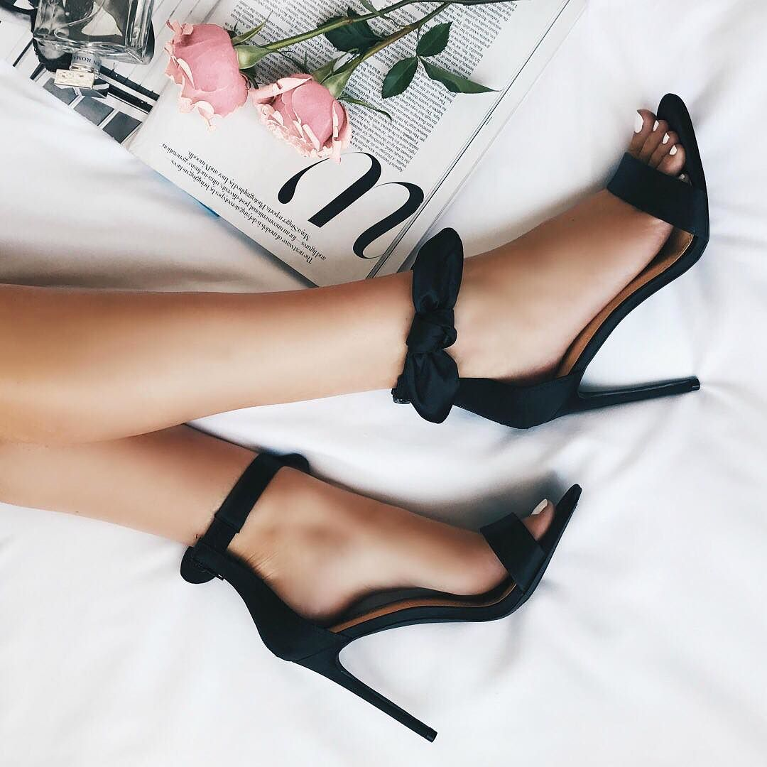 how to wear high heels comfortably - tips and tricks for wearing high heels