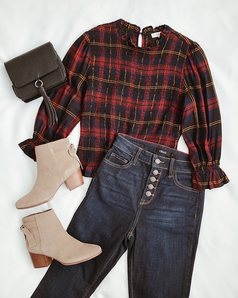 plaid thanksgiving outfit with jeans